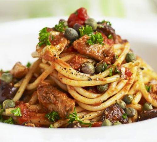 Spaghetti with sardine sauce